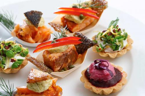 Kosher cakes and dessert catering by Lewis' Continental Kitchen