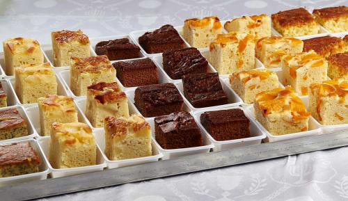 Kosher Airline catering (desserts) by Lewis' Continental Kitchen